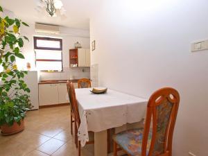 Apartment Nada 1202, Ferienwohnungen  Banjole - big - 24