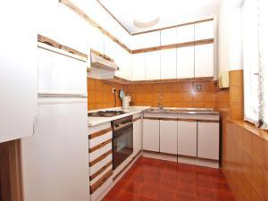 Apartment Nada 1202, Ferienwohnungen  Banjole - big - 36