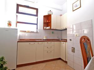 Apartment Nada 1202, Ferienwohnungen  Banjole - big - 28