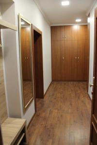 Jurincom apartments na Vyhlidce, Apartmány  Karlovy Vary - big - 9