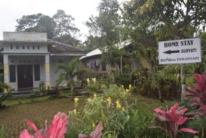 Suryati Homestay