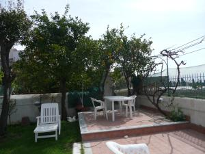 Garden House, Bed and breakfasts  Ercolano - big - 35