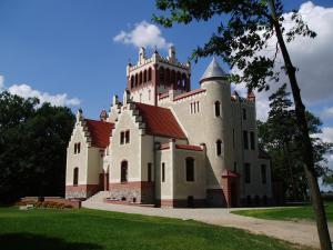 Zamek von Treskov, Отели  Strykowo - big - 25