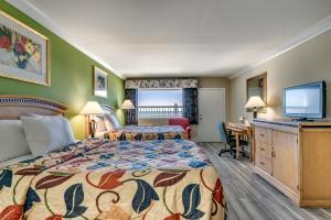 Beachcomber Inn & Suites