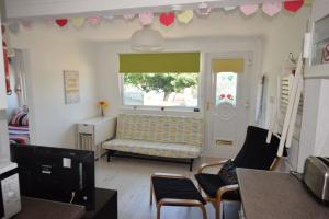83 Sandown Bay Holiday Centre, Chalets  Sandown - big - 12