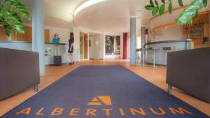 Entrance Albertinum Hotel