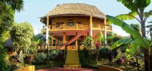 Huamanwasi Yoga Lodge