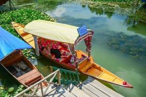 City Of Kashmir, Отели  Сринагар - big - 37