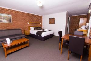 Advance Motel