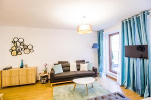 Seasons Studio Garden, Apartments  Braşov - big - 11