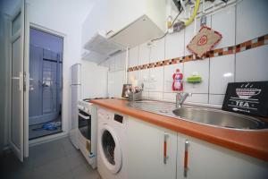 Central Residence, Ferienwohnungen  Braşov - big - 14