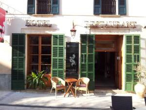 Petit Hotel Sa Plaça
