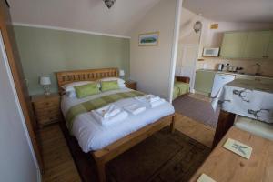 Woodlands Guest House, Penzióny  Brixham - big - 23