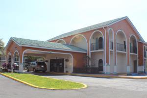 Shining Light Inn & Suites
