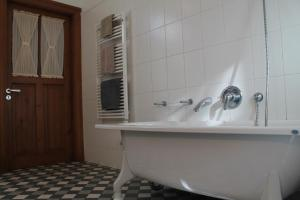 Apartment in Kipsala, Apartmány  Riga - big - 14