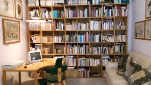 Casa dell'Editore - Books & Breakfast