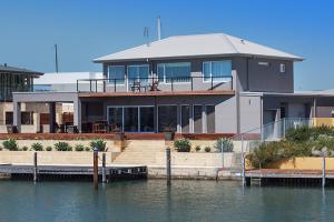 Oceans Edge - Busselton - Margaret River Wine Region, Western Australia, Australia