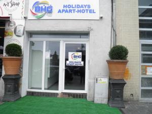 Entrance Holidays Hostel Midi