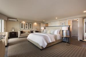 Knickerbocker Yacht Hotel