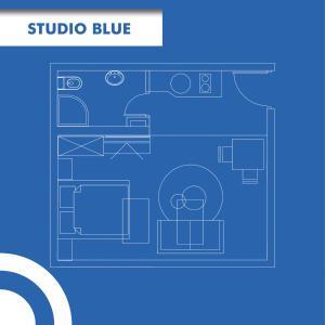Studio Apartment Blue - фото 17