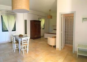 Appartamento Cellina, Apartmanok  Gallipoli - big - 12