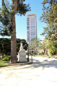 Torre Alicante Apartments, Apartmány  Alicante - big - 13