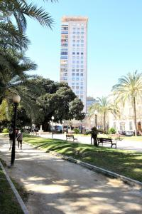 Torre Alicante Apartments, Apartmány  Alicante - big - 15