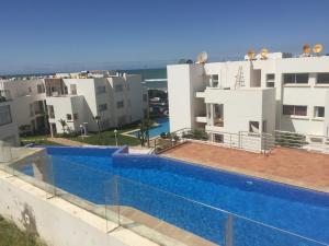 App Jumeira Beach, Apartments  Dar Bouazza - big - 3