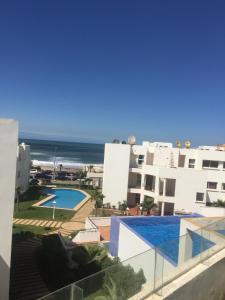 App Jumeira Beach, Apartments  Dar Bouazza - big - 21