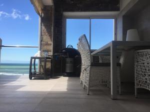 App Jumeira Beach, Apartments  Dar Bouazza - big - 30
