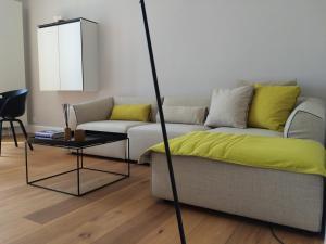 Apartment Square50