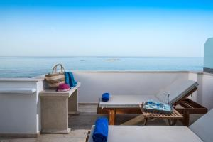 Pyrgos Blue, Aparthotels  Malia - big - 8