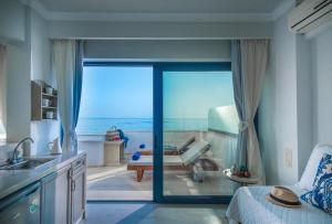 Pyrgos Blue, Aparthotels  Malia - big - 9