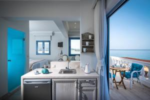 Pyrgos Blue, Aparthotels  Malia - big - 10