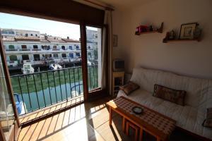 Porto Fino C-5, Appartamenti  Empuriabrava - big - 9