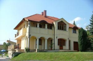 Bruckner Villa Apartman