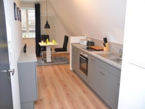 Die Gönothek - Ferienwohnungen, Apartments  Iphofen - big - 15