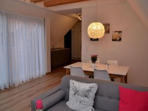 Die Gönothek - Ferienwohnungen, Apartments  Iphofen - big - 13