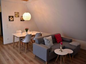 Die Gönothek - Ferienwohnungen, Апартаменты  Ипхофен - big - 8