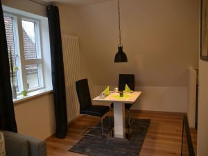 Die Gönothek - Ferienwohnungen, Apartments  Iphofen - big - 2
