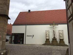 Die Gönothek - Ferienwohnungen, Апартаменты  Ипхофен - big - 92