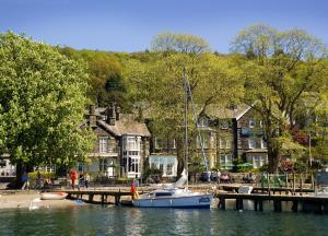 (The Waterhead Hotel)