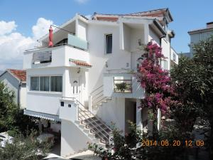 Apartments Villa Tanja, Apartmány  Trogir - big - 1