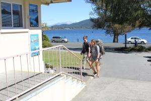 Te Anau Lakefront Backpackers