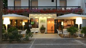 Hotel Morotti, Szállodák  Misano Adriatico - big - 1