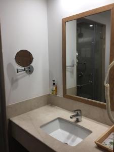 Red Fox Hotel, Sector 60, Gurugram, Hotels  Gurgaon - big - 4