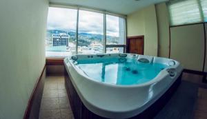 Hotel Emperador, Hotels  Ambato - big - 41