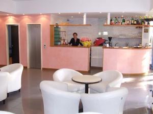 Hotel Morotti, Szállodák  Misano Adriatico - big - 37