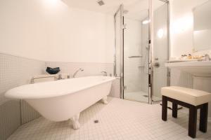 Mampei Hotel image