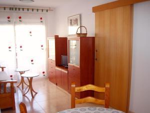 Apartamento Kursal, Apartmanok  Miami Platja - big - 8